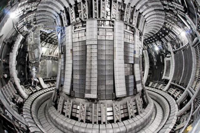 jet-fusion-tokamak-confinement-vessel-640x426